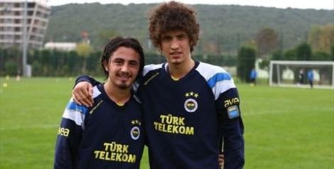 Recep Niyaz con Salih Ucan (ora alla Roma), suo compagno nelle giovanili del Fenerbahçe.