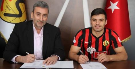 La firma del contratto